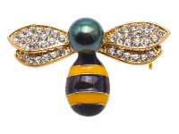 Luxurious Pearl Brooch Series—10mm Peacock Green Tahitian Pearl Bee Pendant