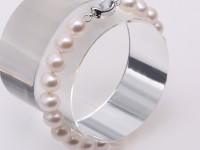 Beautiful 8.5-9mm White Freshwater Pearl Bracelet 7.5″
