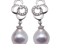 Elegant 7.5-8mm White Waterdrop Freshwater Cultured Pearl Earrings in 925 Sterling Silver