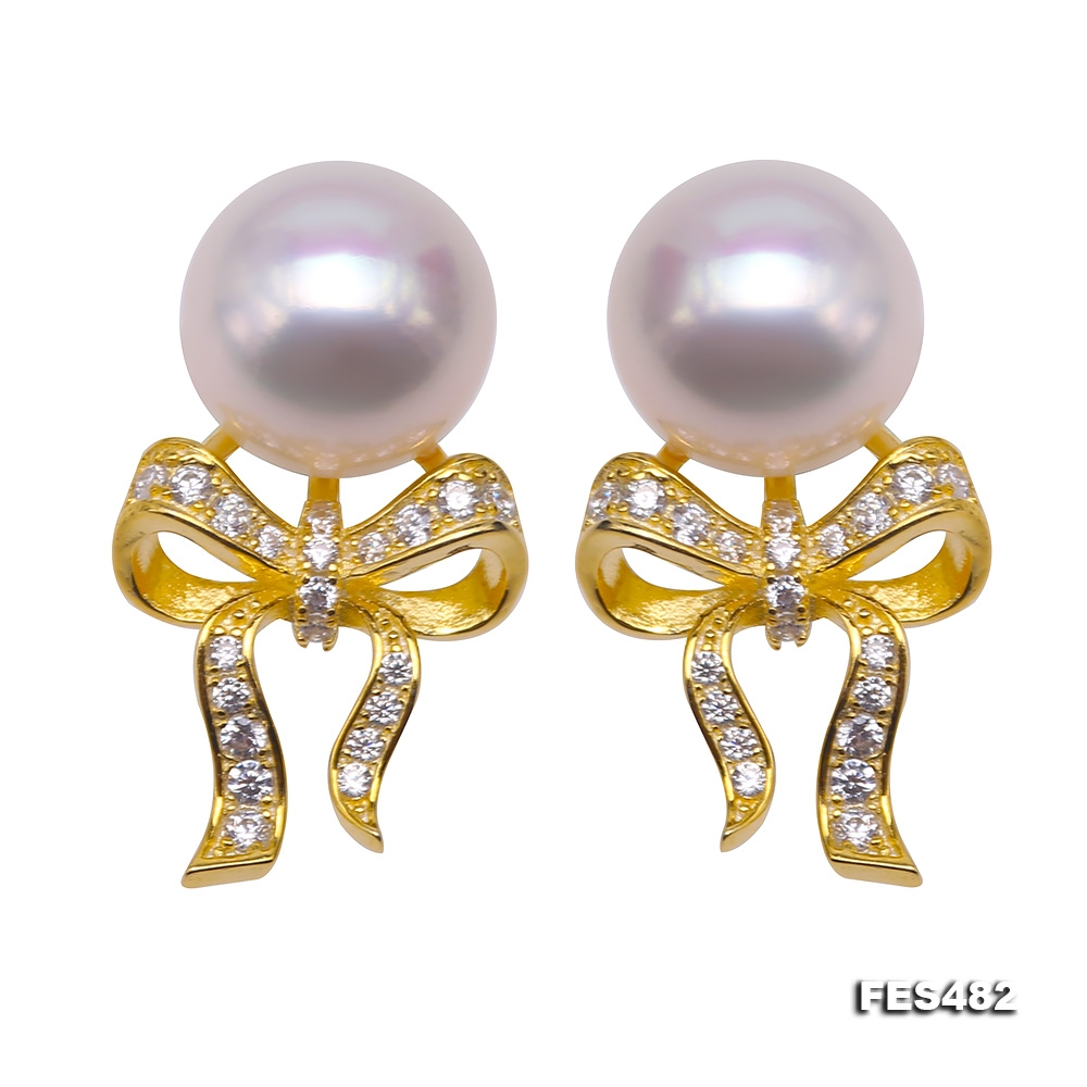 Exquisite 9mm Flat Round White Freshwater Pearl Stud Earrings